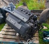 Motor BMW e39 523i e46 323i año 1998 tambien disponemos de la caja de cambios.